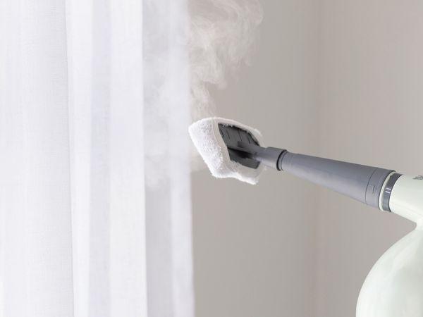 • Redno čiščenje lamelnih zaves je potrebno za osvežitev barve in ohranitev prvotnega videza le-teh